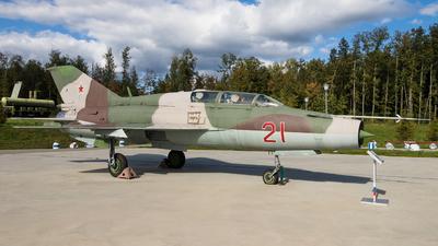 106 - Mikoyan-Gurevich MiG-21UM Mongol B - Soviet Union - Air Force