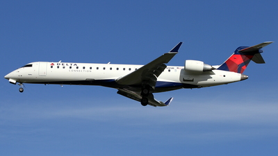 N765SK - Bombardier CRJ-701 - United Express (SkyWest Airlines)