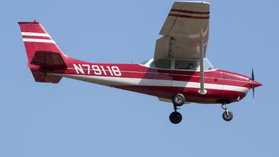 N79118 - Cessna 172K Skyhawk - Private