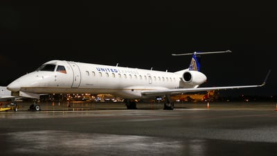 A picture of N18102 - Embraer ERJ145XR - United Airlines - © Craig L Baldwin