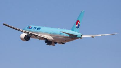 HL7752 - Boeing 777-2B5(ER) - Korean Air