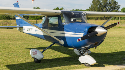 A picture of LVHVV - Cessna 150J - [15070805] - © Cris.Spotter.mg