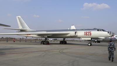 1825 - Xian H-6 - China - Air Force