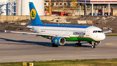 UK32015 - Airbus A320-214 - Uzbekistan Airways