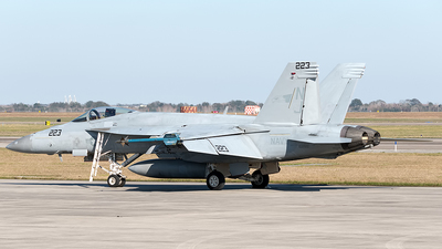 168915 - Boeing F/A-18E Super Hornet - United States - US Navy (USN)