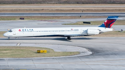 N920DN - McDonnell Douglas MD-90-30 - Delta Air Lines