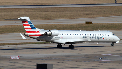 A picture of N520DC - Mitsubishi CRJ701ER - American Airlines - © Zihaoo W & Donny H Photography