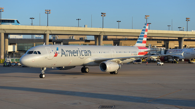 N579UW - Airbus A321-231 - American Airlines