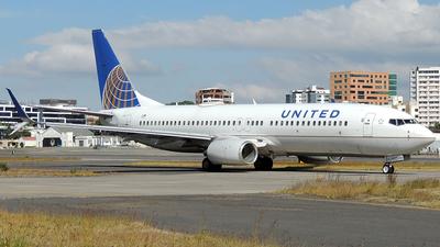 N77525 - Boeing 737-824 - United Airlines