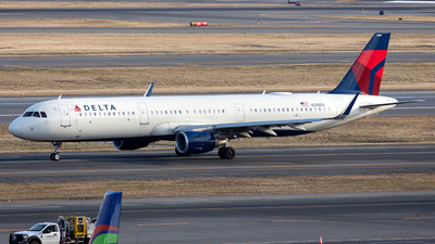 A picture of N318DX - Airbus A321211 - Delta Air Lines - © OCFLT_OMGcat