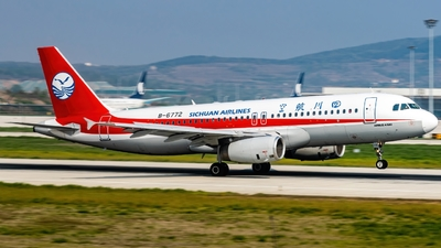 A picture of B6772 - Airbus A320232 - Sichuan Airlines - © HoHyun Ryu