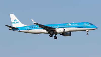 A picture of PHEZE - Embraer E190STD - KLM - © Matteo Lamberts