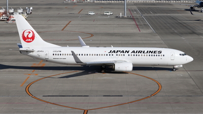 A picture of JA345J - Boeing 737846 - Japan Airlines - © Kittan