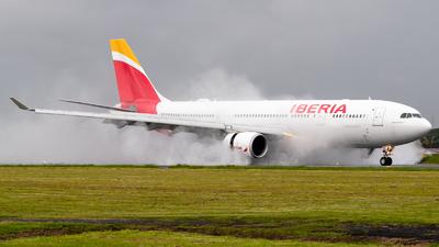 A picture of ECMLB - Airbus A330202 - Iberia - © Ivan Jimenez Rojas