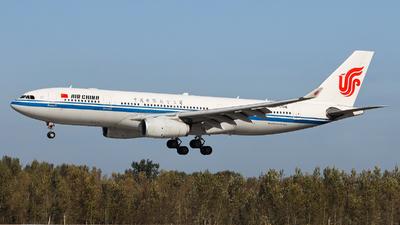 B-5918 - Airbus A330-243 - Air China