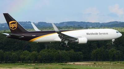 N328UP - Boeing 767-34AF(ER) - United Parcel Service (UPS)