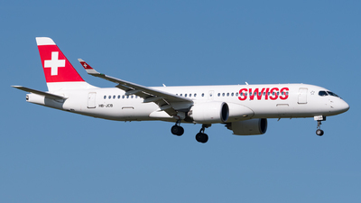 A picture of HBJCB - Airbus A220300 - Swiss - © Julian Mittnacht