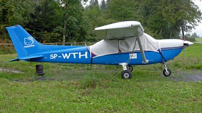 A picture of SPWTH - Cessna R172K Hawk XP - [R1722799] - © Mirko Bleuer