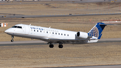 A picture of N939SW - Mitsubishi CRJ200LR - United Airlines - © Yixin Chen
