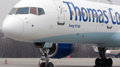 G-FCLD - Boeing 757-25F - Thomas Cook Airlines