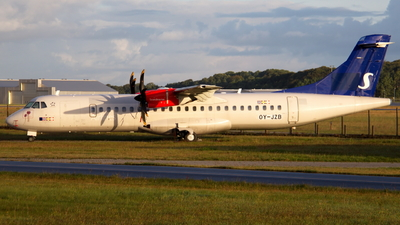 OY-JZB - ATR 72-212A(600) - Nordic Aviation Capital (NAC)