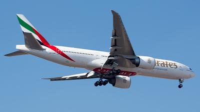 A6-EWE - Boeing 777-21HLR - Emirates