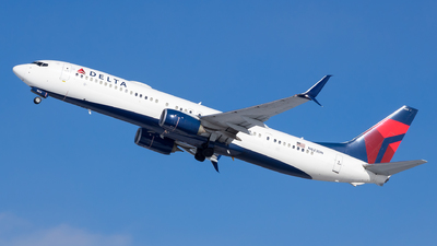 A picture of N823DN - Boeing 737932(ER) - Delta Air Lines - © Stephen J Stein