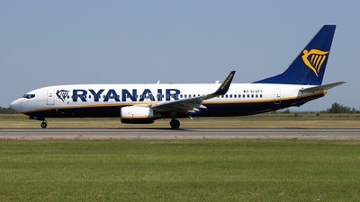 A picture of EIEFY - Boeing 7378AS - Ryanair - © Marin Ghe.