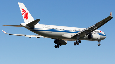 B-8689 - Airbus A330-343 - Air China