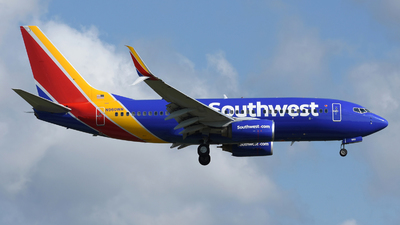 A picture of N960WN - Boeing 7377H4 - Southwest Airlines - © DJ Reed - OPShots Photo Team