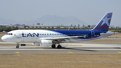 CC-BFB - Airbus A320-214 - LAN Airlines
