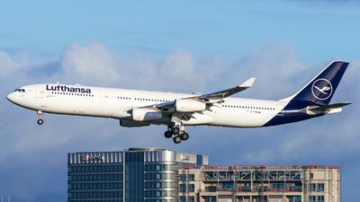 A picture of DAIGT - Airbus A340313 - Lufthansa - © Christian Preinl
