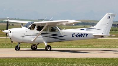 A picture of CGWTY - Cessna 172M Skyhawk - [17265042] - © Paul Nitychoruk
