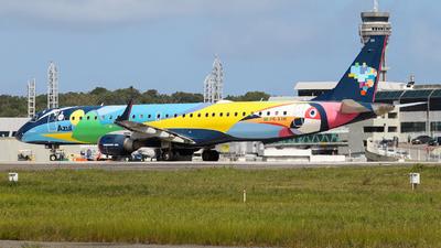 A picture of PRAXH - Embraer E195AR - Azul Linhas Aereas - © Felipe Cruz SBSV