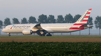 A picture of N833AA - Boeing 7879 Dreamliner - American Airlines - © C. v. Grinsven