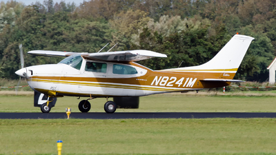N8241M - Cessna 210K Centurion - Private