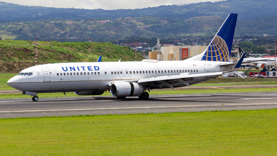 A picture of N33284 - Boeing 737824 - United Airlines - © vidal spotter