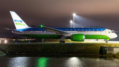 A picture of UK001 - Boeing 7878 Dreamliner - Uzbekistan Airways - © Niclas Rebbelmund