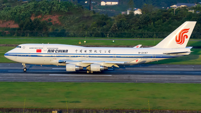 A picture of B2447 - Boeing 7474J6 - Air China - © Mr.Huang