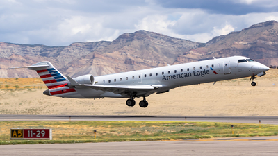 N748SK - Bombardier CRJ-701ER - American Eagle (SkyWest Airlines)