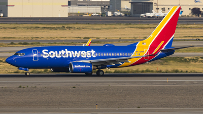 A picture of N473WN - Boeing 7377H4 - Southwest Airlines - © David Lee