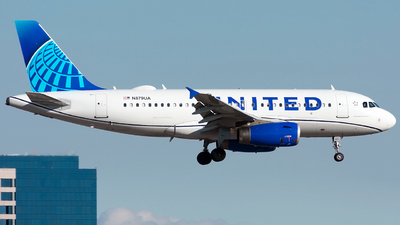 A picture of N879UA - Airbus A319132 - United Airlines - © Jordan Louie