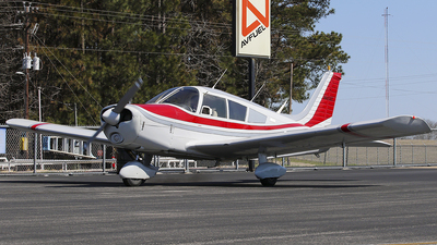 A picture of N4630T - Piper PA28140 - [287225197] - © Roger M