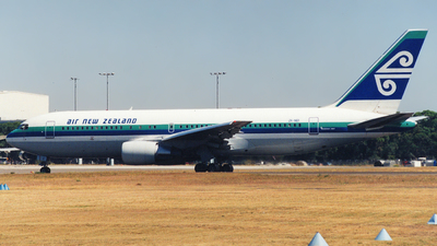 ZK-NBI - Boeing 767-204(ER) - Air New Zealand