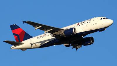 A picture of N369NB - Airbus A319114 - Delta Air Lines - © Huy Do