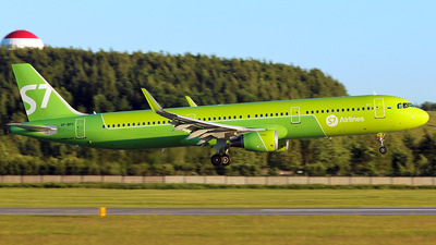 VP-BPC - Airbus A321-211 - S7 Airlines