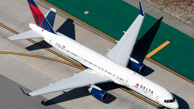 A picture of N546US - Boeing 757251 - Delta Air Lines - © Dong An