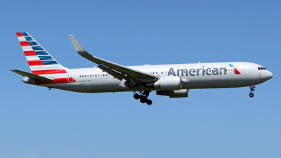 N346AN - Boeing 767-323(ER) - American Airlines
