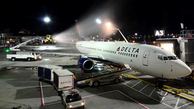 N885DN - Boeing 737-932ER - Delta Air Lines