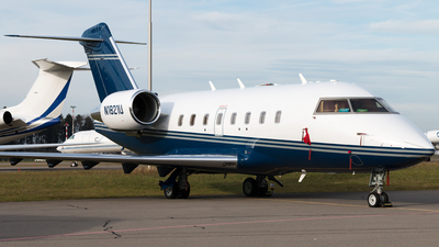 N1821U - Bombardier CL-600-2B16 Challenger 604 - Private
